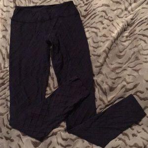 "Beyond Yoga 28"" leggings. Size M. Purplish-Blue"